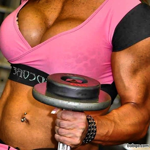 beautiful girl with muscle body and muscle arms image from reddit