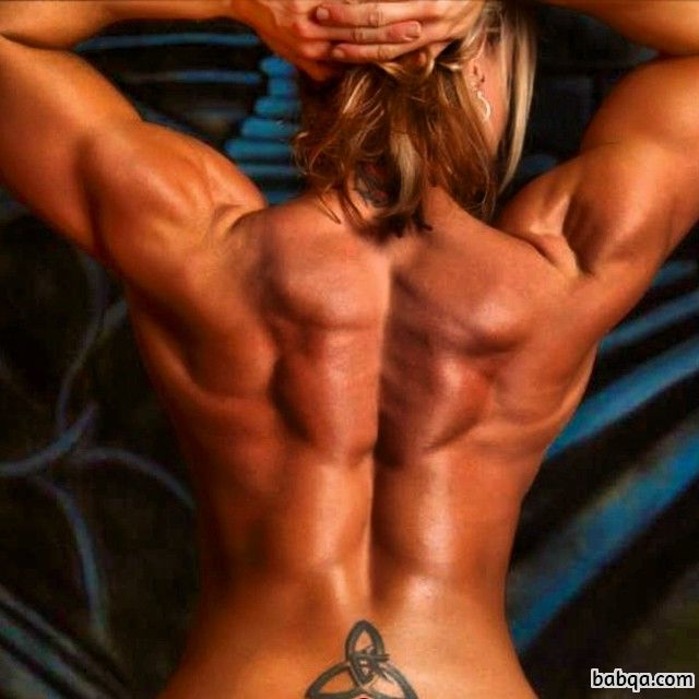 awesome chick with fitness body and toned biceps post from reddit