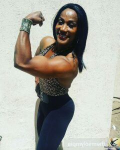 hot female bodybuilder with muscle body and muscle ass picture from instagram