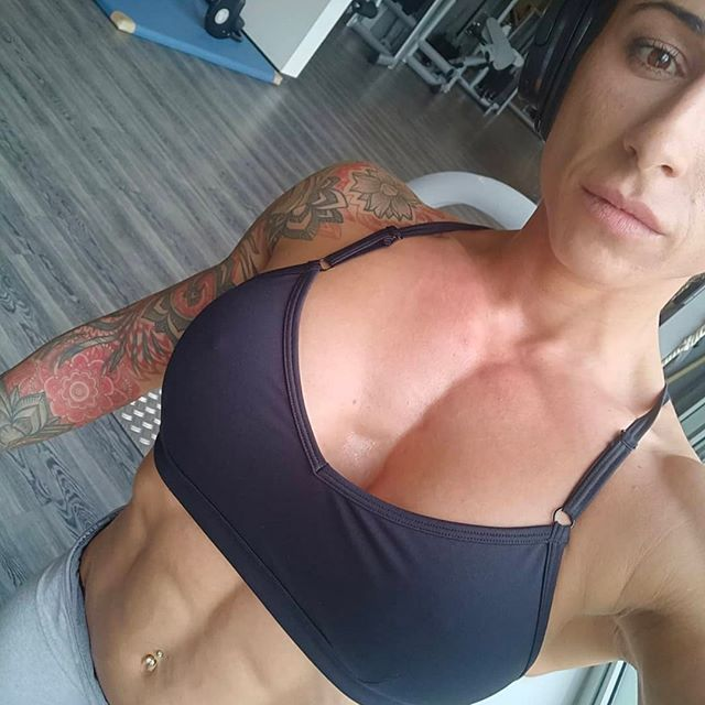 hottest female bodybuilder with muscular body and muscle booty photo from facebook