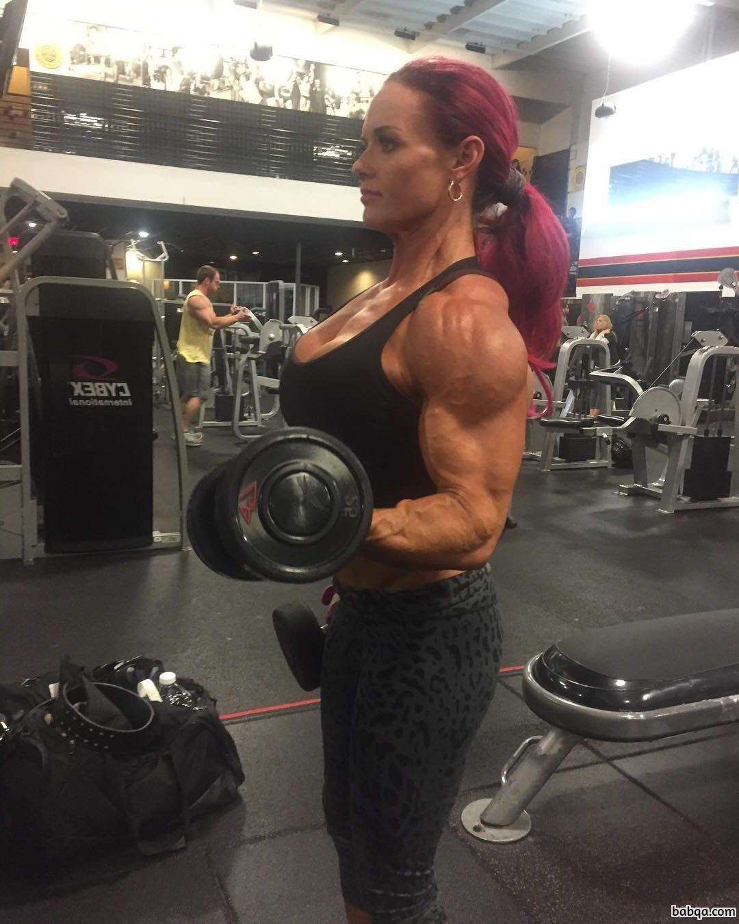 awesome female bodybuilder with muscular body and toned ass post from g+