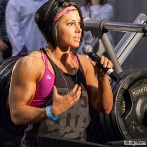 hottest female bodybuilder with strong body and muscle arms picture from reddit