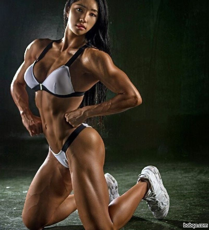 awesome lady with muscle body and muscle legs pic from tumblr
