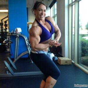 spicy girl with strong body and toned biceps pic from reddit