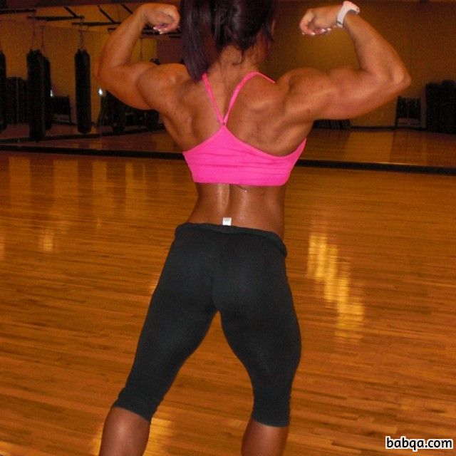 sexy babe with fitness body and toned arms post from reddit