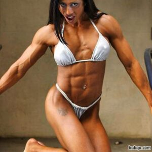 perfect lady with muscle body and toned legs picture from g+