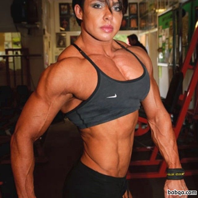 beautiful woman with muscular body and muscle bottom picture from reddit