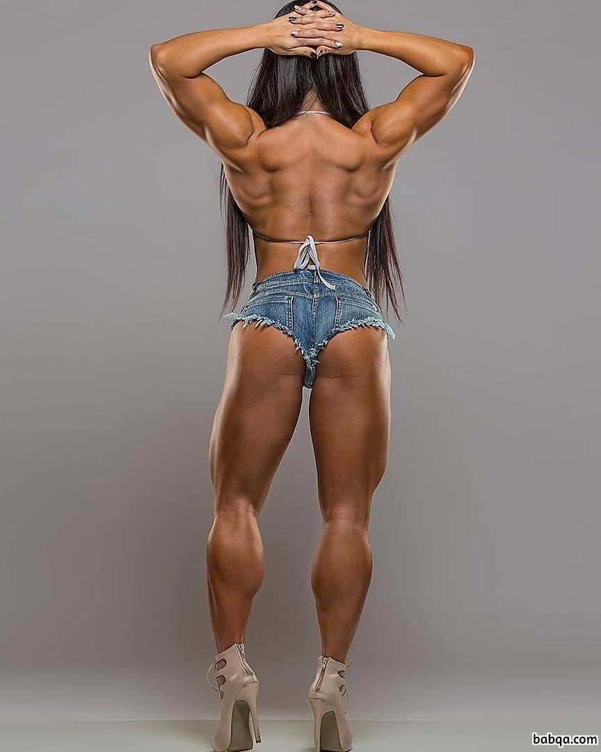hot female bodybuilder with muscular body and muscle booty pic from instagram