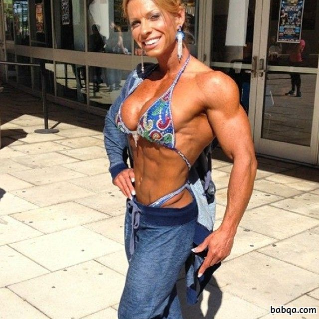 hottest lady with strong body and toned legs post from reddit