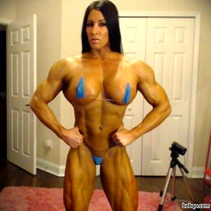 cute lady with strong body and toned legs pic from reddit
