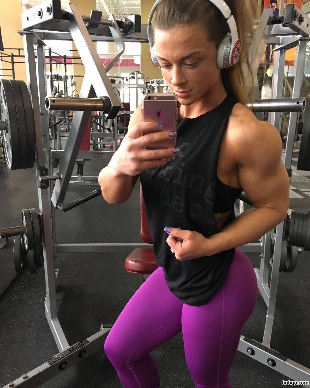 cute chick with fitness body and toned biceps pic from reddit