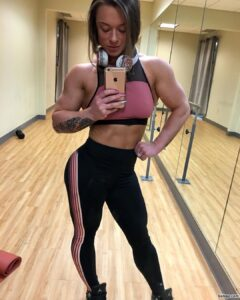 perfect lady with muscle body and toned ass pic from linkedin