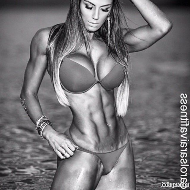 awesome female bodybuilder with muscular body and toned arms picture from insta