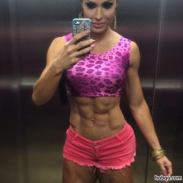 hottest female bodybuilder with muscular body and muscle legs post from instagram
