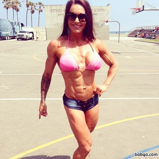 beautiful female bodybuilder with muscular body and toned legs image from reddit