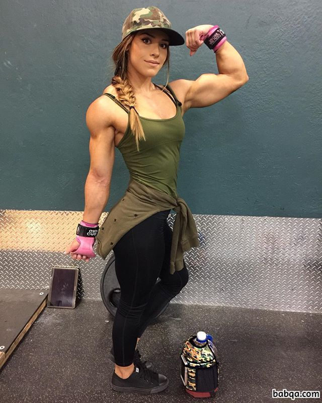 hot female bodybuilder with strong body and muscle legs photo from g+