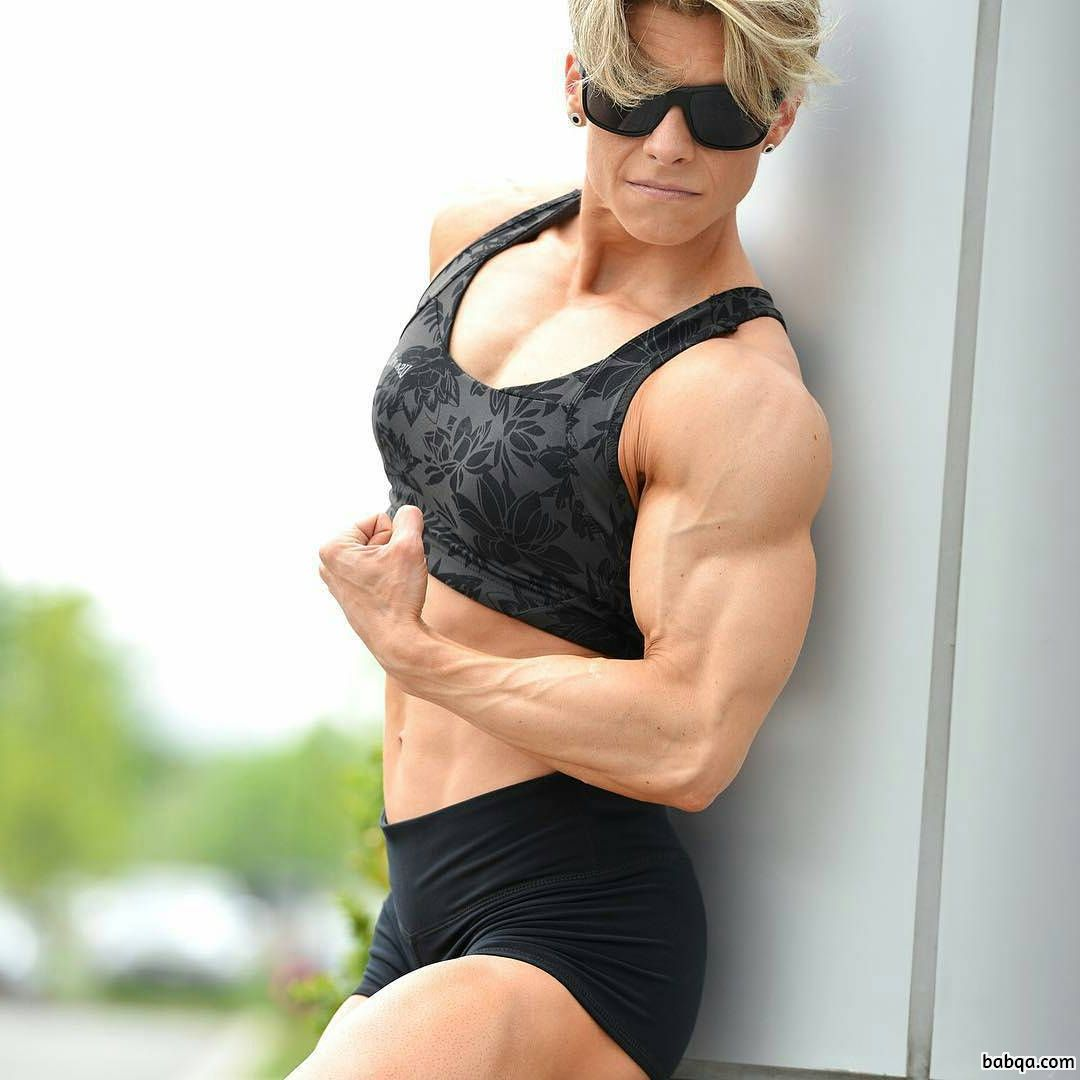 perfect lady with muscle body and muscle bottom photo from reddit