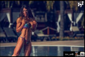 awesome chick with muscular body and toned biceps photo from g+