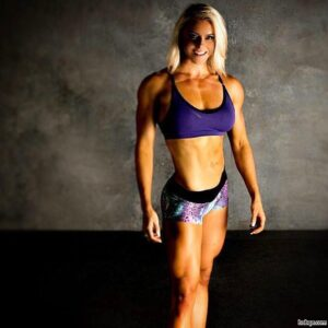 perfect chick with strong body and toned biceps picture from g+