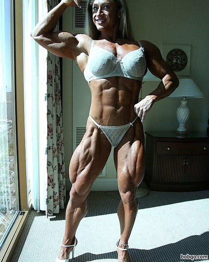 perfect babe with strong body and toned legs photo from flickr