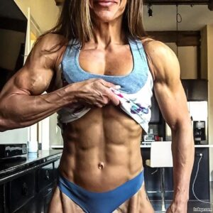hot lady with strong body and toned arms post from reddit