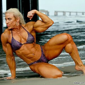 cute lady with muscular body and muscle legs pic from reddit
