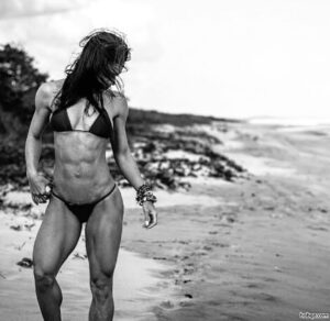 awesome female bodybuilder with muscle body and muscle legs pic from flickr