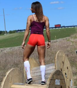 perfect lady with muscle body and muscle legs photo from g+