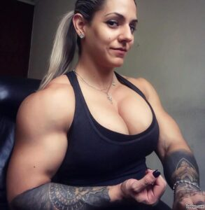 beautiful lady with muscle body and muscle bottom image from insta