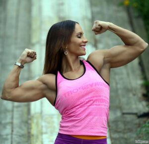 hottest female bodybuilder with muscular body and muscle biceps pic from instagram