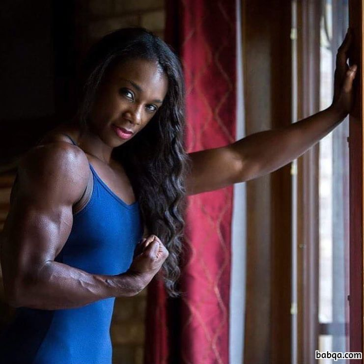 hottest lady with muscular body and toned arms photo from reddit