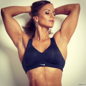 awesome babe with muscle body and toned arms repost from g+