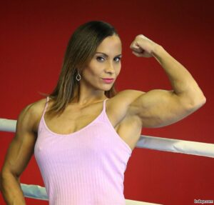 spicy chick with fitness body and toned biceps post from reddit