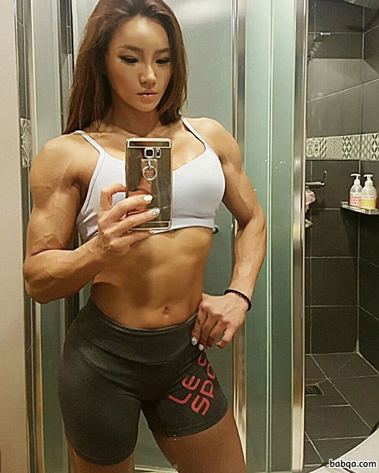 hot lady with muscle body and toned legs picture from instagram
