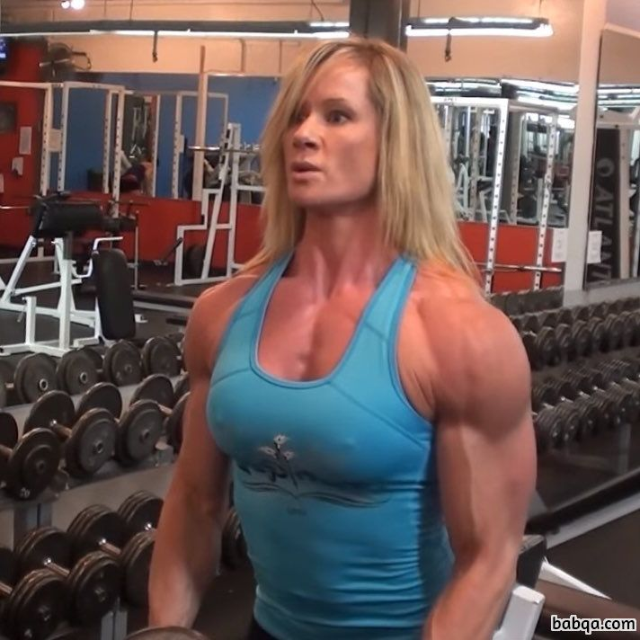 hot female bodybuilder with muscle body and toned arms picture from reddit