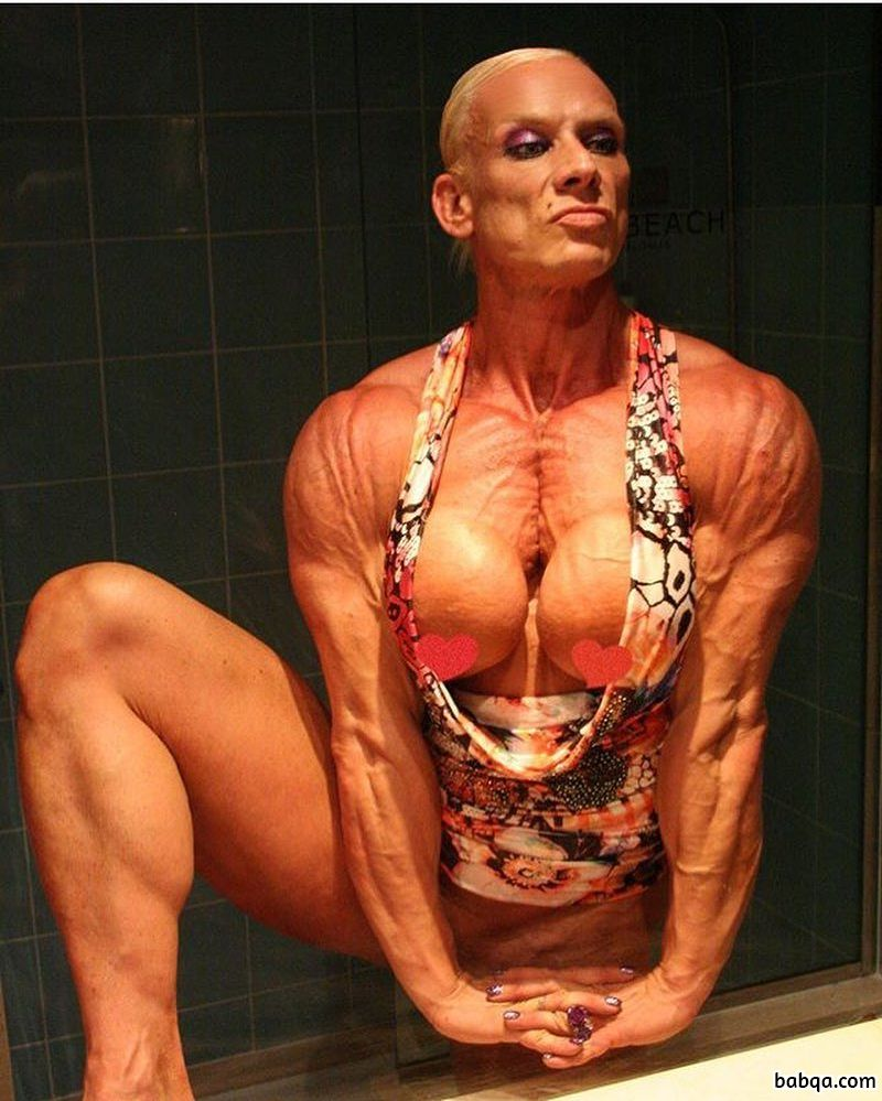 awesome female with strong body and toned biceps photo from reddit