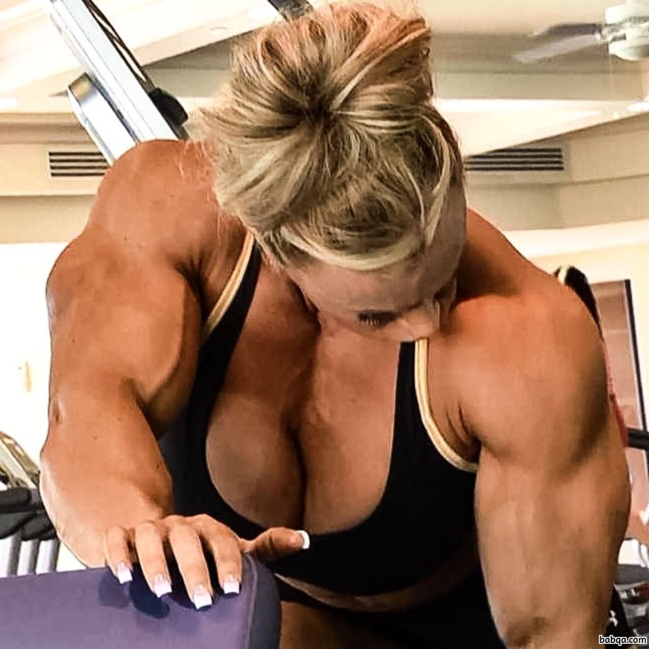 hottest female bodybuilder with muscular body and toned booty picture from reddit