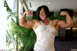 spicy female bodybuilder with strong body and toned bottom post from tumblr