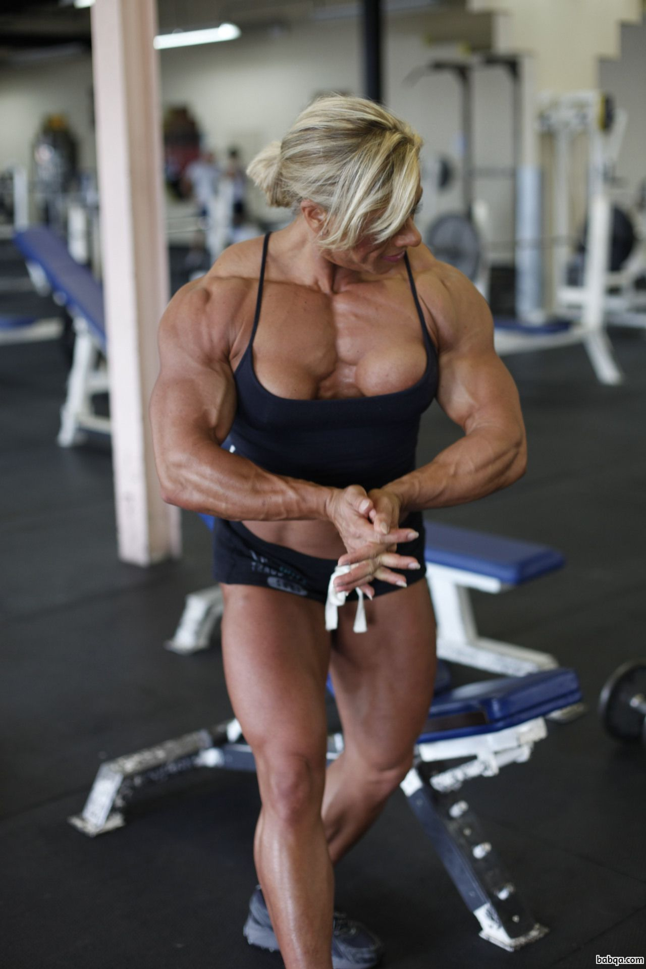 hot female bodybuilder with strong body and toned booty pic from g+