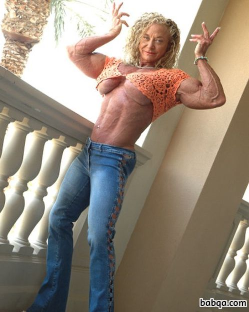 hot lady with muscle body and muscle bottom picture from g+