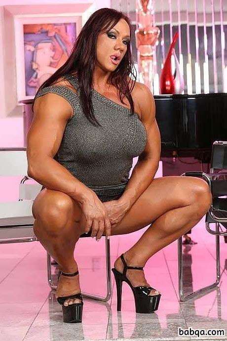 awesome woman with strong body and toned biceps repost from g+