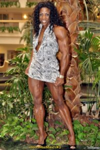 sexy chick with muscular body and toned legs post from g+