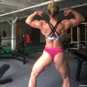 beautiful female with fitness body and toned bottom pic from reddit