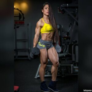 sexy chick with muscle body and toned bottom post from g+