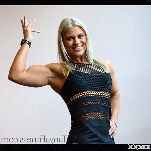 hottest chick with muscle body and muscle bottom photo from linkedin