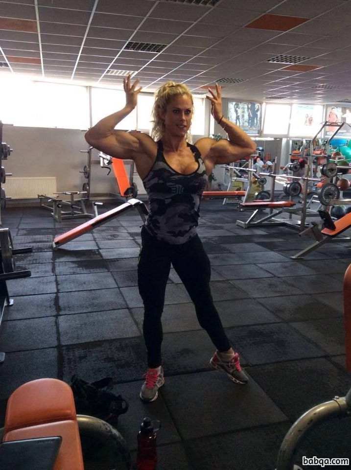 hot chick with muscle body and muscle arms photo from flickr