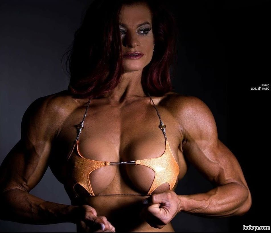 beautiful female bodybuilder with strong body and toned arms picture from linkedin
