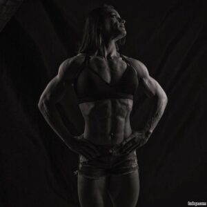 awesome female bodybuilder with muscle body and muscle ass pic from linkedin