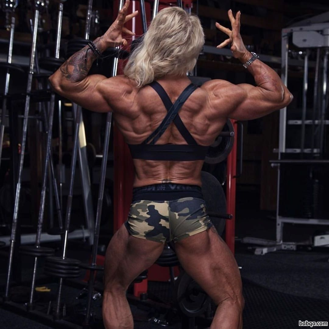 beautiful chick with muscle body and muscle legs photo from facebook