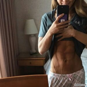 spicy chick with fitness body and toned bottom post from g+